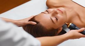 Face skin care treatment. Ultrasound cavitation procedures.